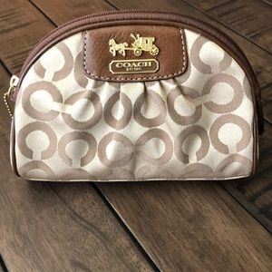 Authentic COACH Cosmetic bag 💗